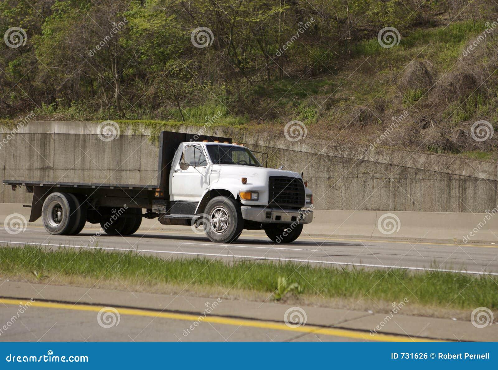 Camion à plat