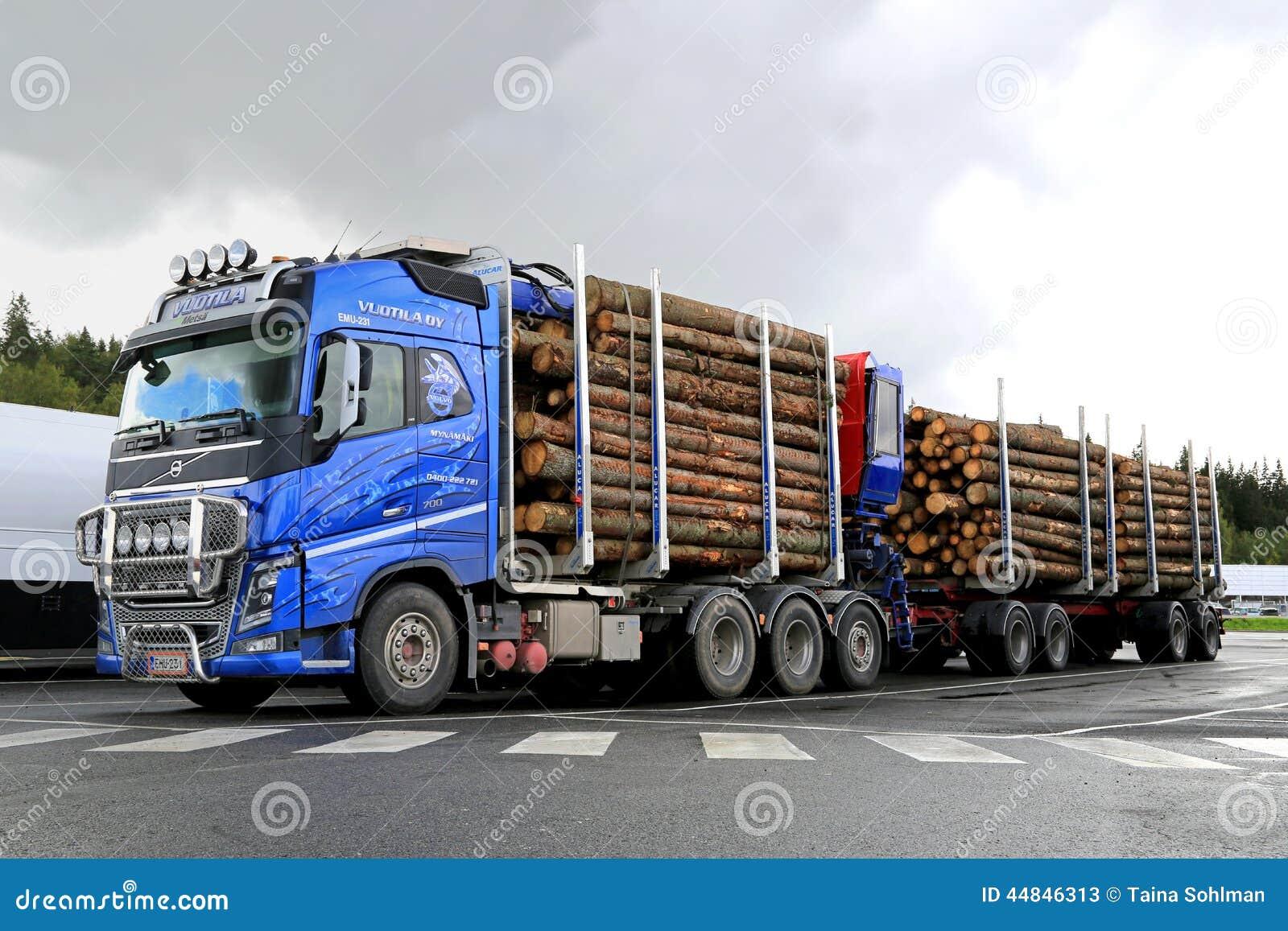 Camion Bleu De Bois De Construction De Volvo Fh16 700 Avec