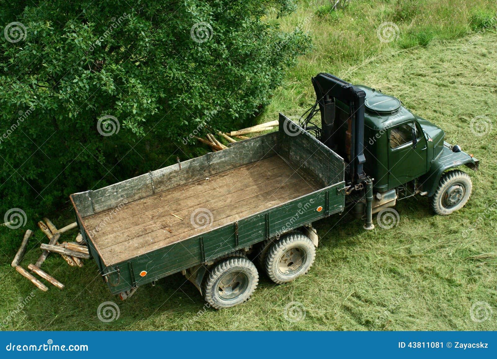 à partir de 1950 s modifié pour le transport de bois de construction ~ Camion Transport De Bois