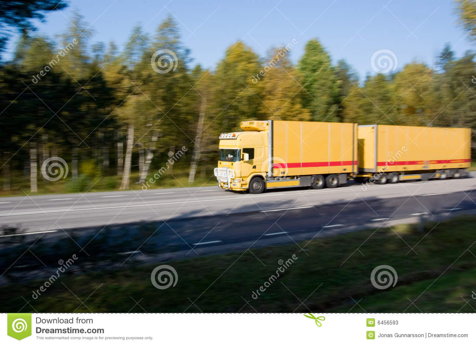 Camion dans le mouvement