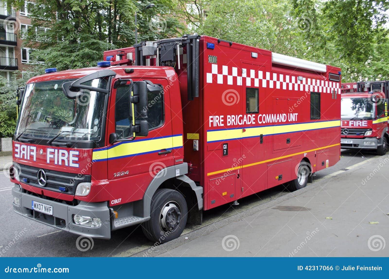 camion de pompiers de londres photo ditorial image 42317066. Black Bedroom Furniture Sets. Home Design Ideas