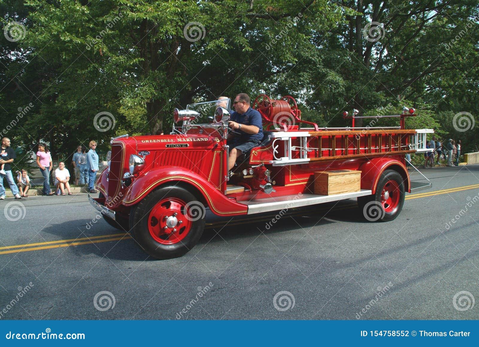 Camion de pompiers istoric antique de County de prince George