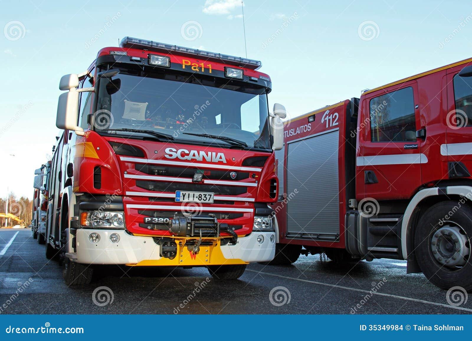 Camion dei vigili del fuoco di scania p320 immagine stock - Foto di grandi camion ...
