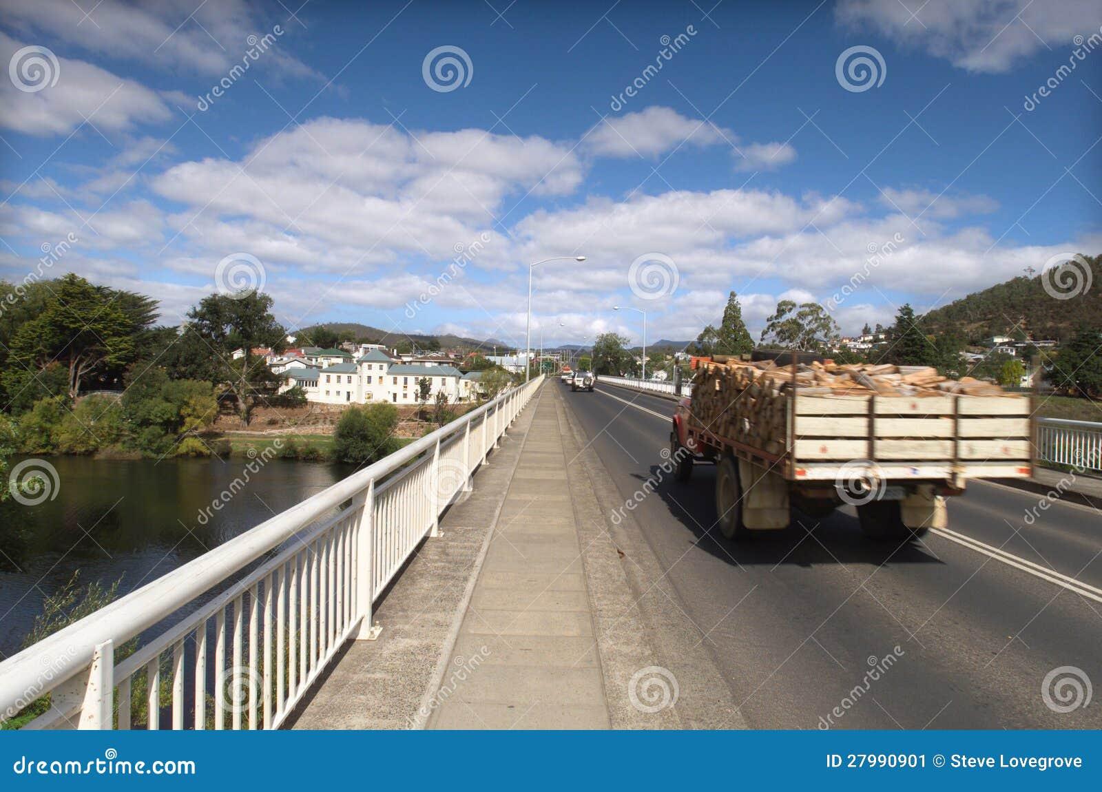 Camion della legna da ardere immagine stock immagine for Legna da ardere prezzi