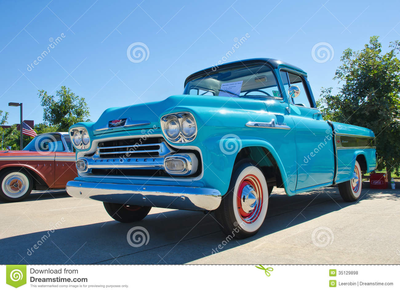 camion pick up 1958 de chevrolet apache photo stock ditorial image 35129898. Black Bedroom Furniture Sets. Home Design Ideas