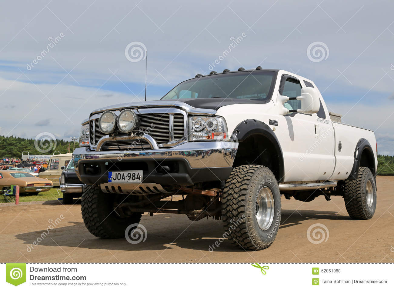 Camion pick-up superbe blanc de devoir de Ford F250
