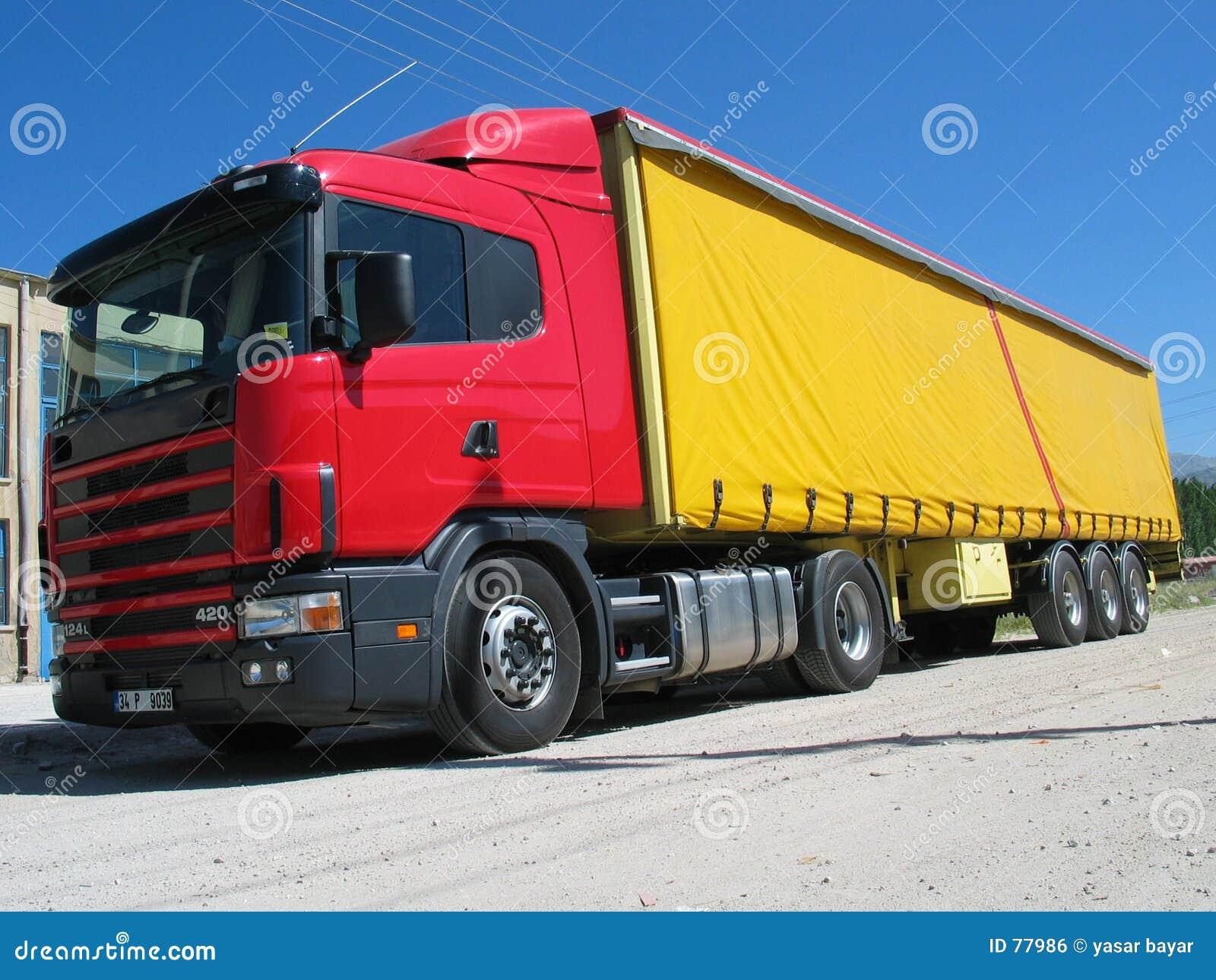 Camion rosso fotografia stock immagine di rotella - Foto di grandi camion ...