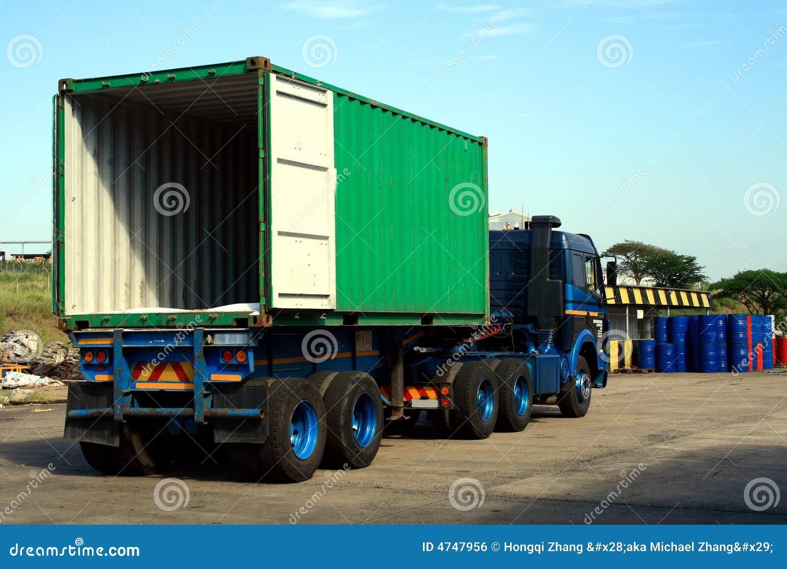 Camion vide de conteneur image libre de droits image for Prix d un conteneur vide