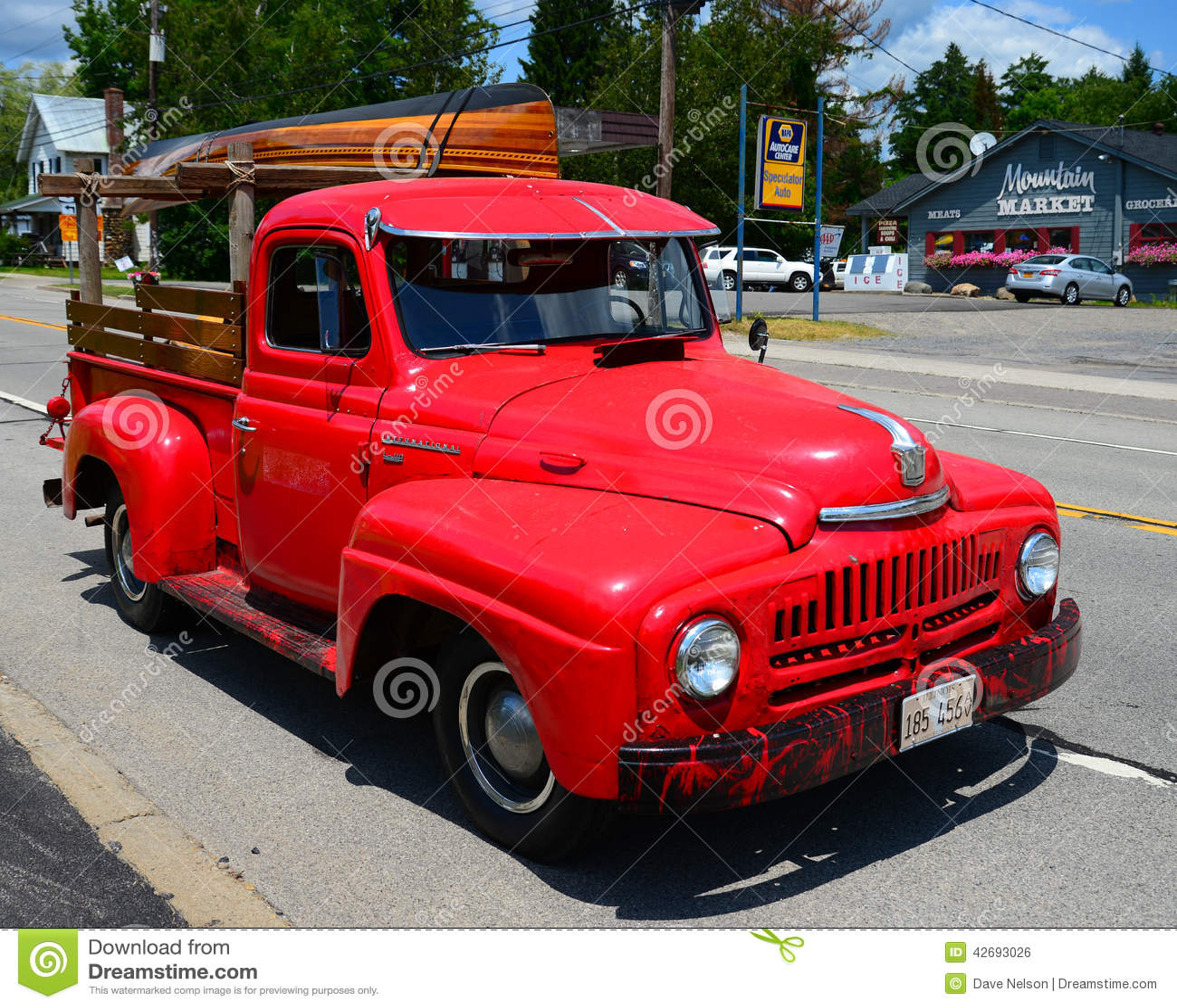 Camioneta Pickup Internacional Roja Vieja Foto Editorial