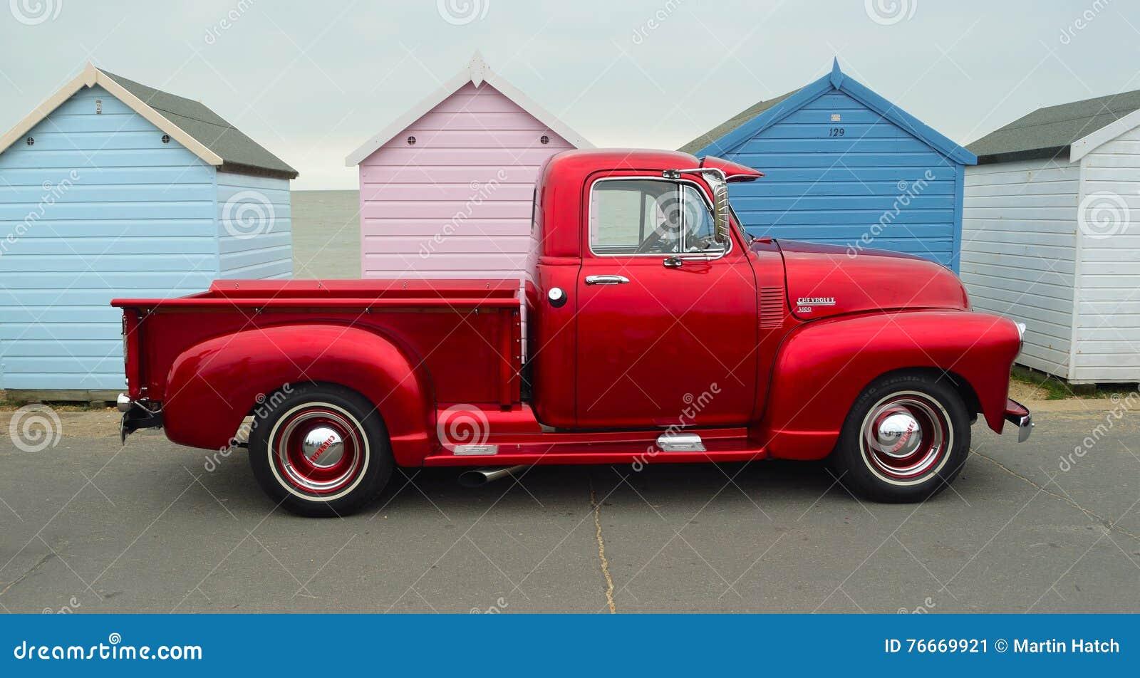 camioneta pickup roja clasica de chevrolet 3100 foto editorial imagen de roja clasica 76669921 dreamstime