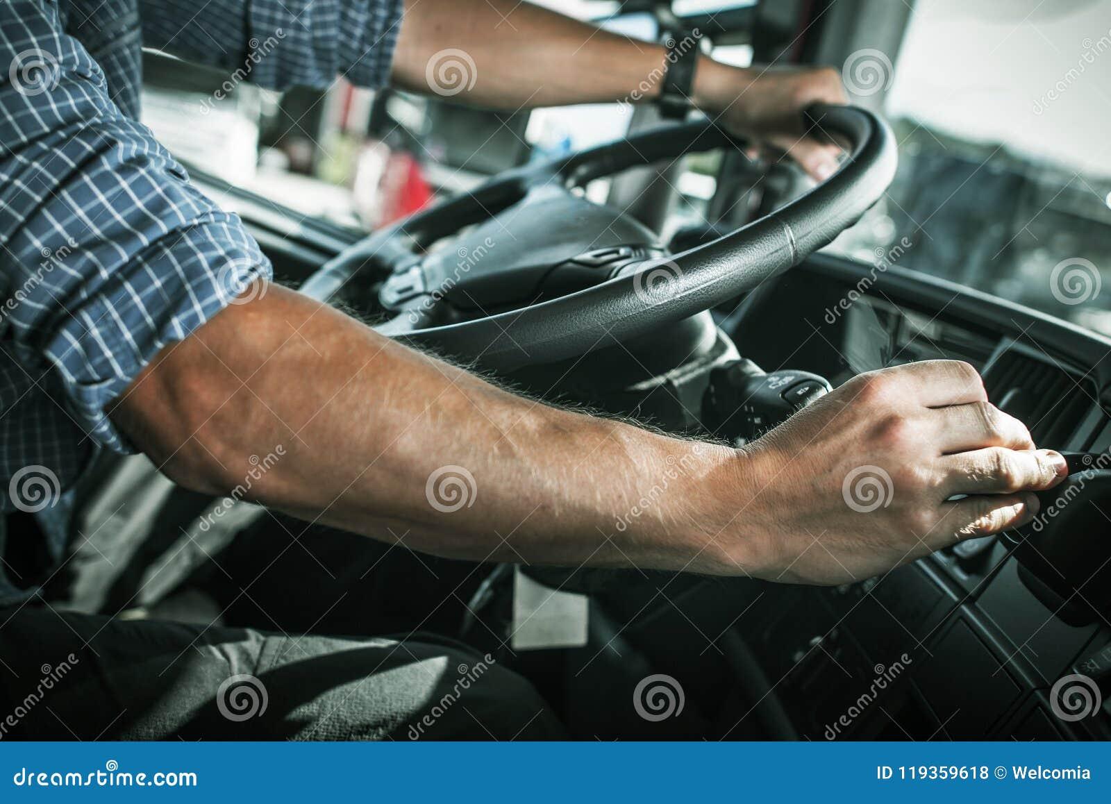 Camionista Behind a roda