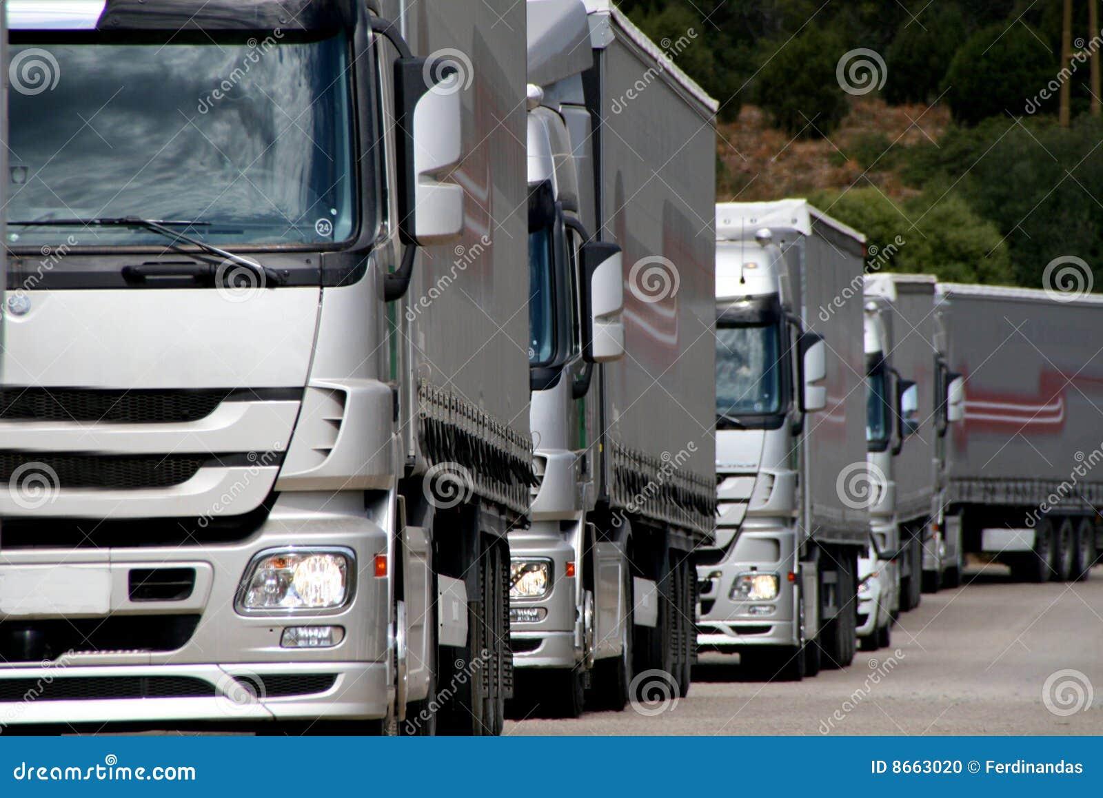 Camions argentés