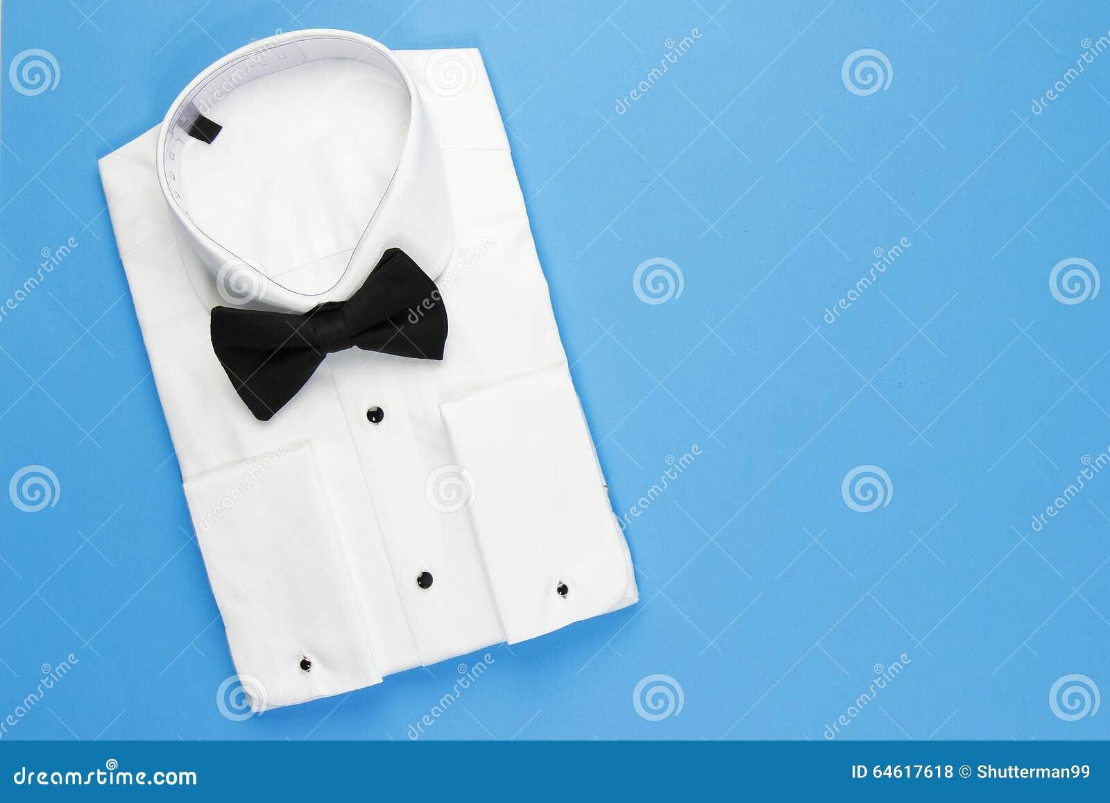 570756c1f50 Camisa Blanca Elegante Para Los Hombres Con La Corbata De Lazo Negra ...