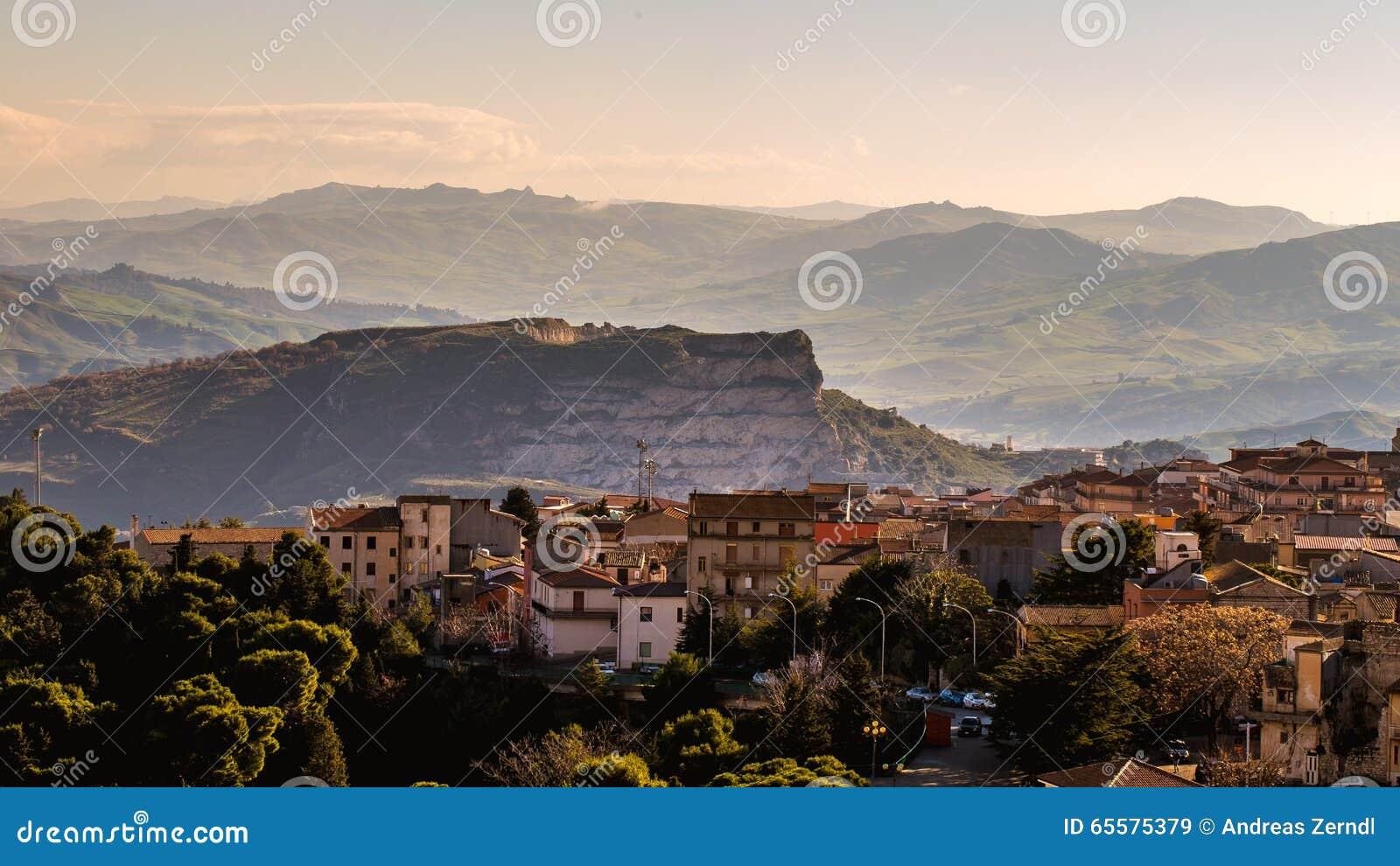 Cammarata, paisagem de Sicília, Itália