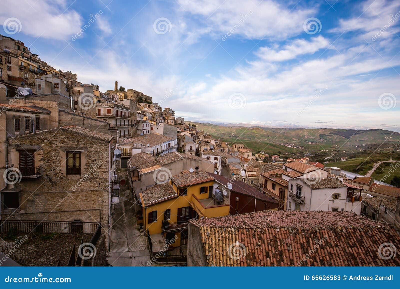Cammarata, Sicile, Italie sur le flanc de coteau
