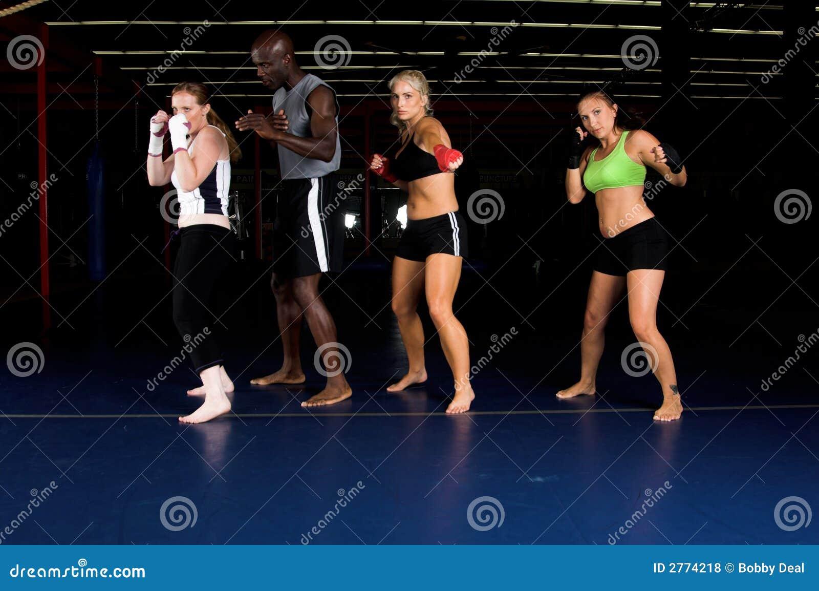Camp d entraînement de chasseur de fille