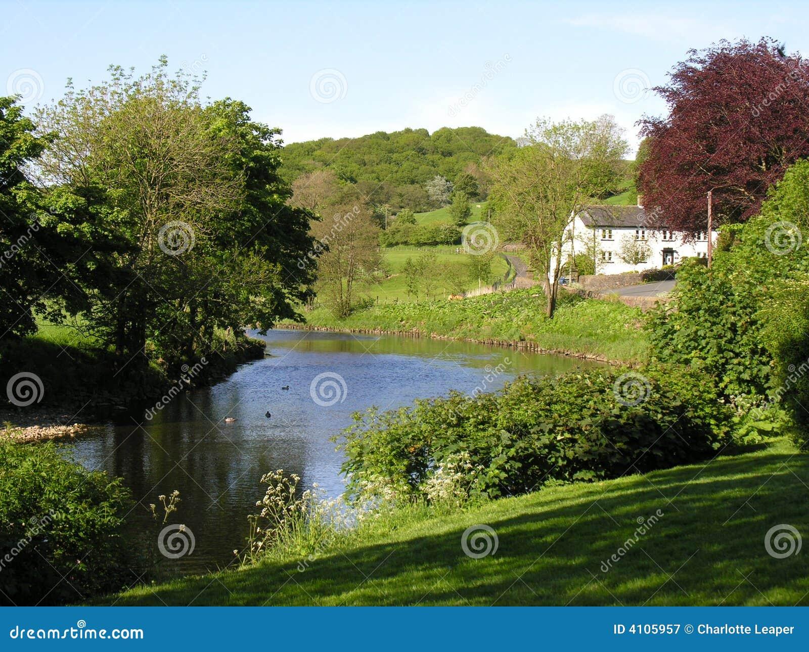 Campagna inglese immagine stock immagine di inghilterra for Vecchio cottage inglese