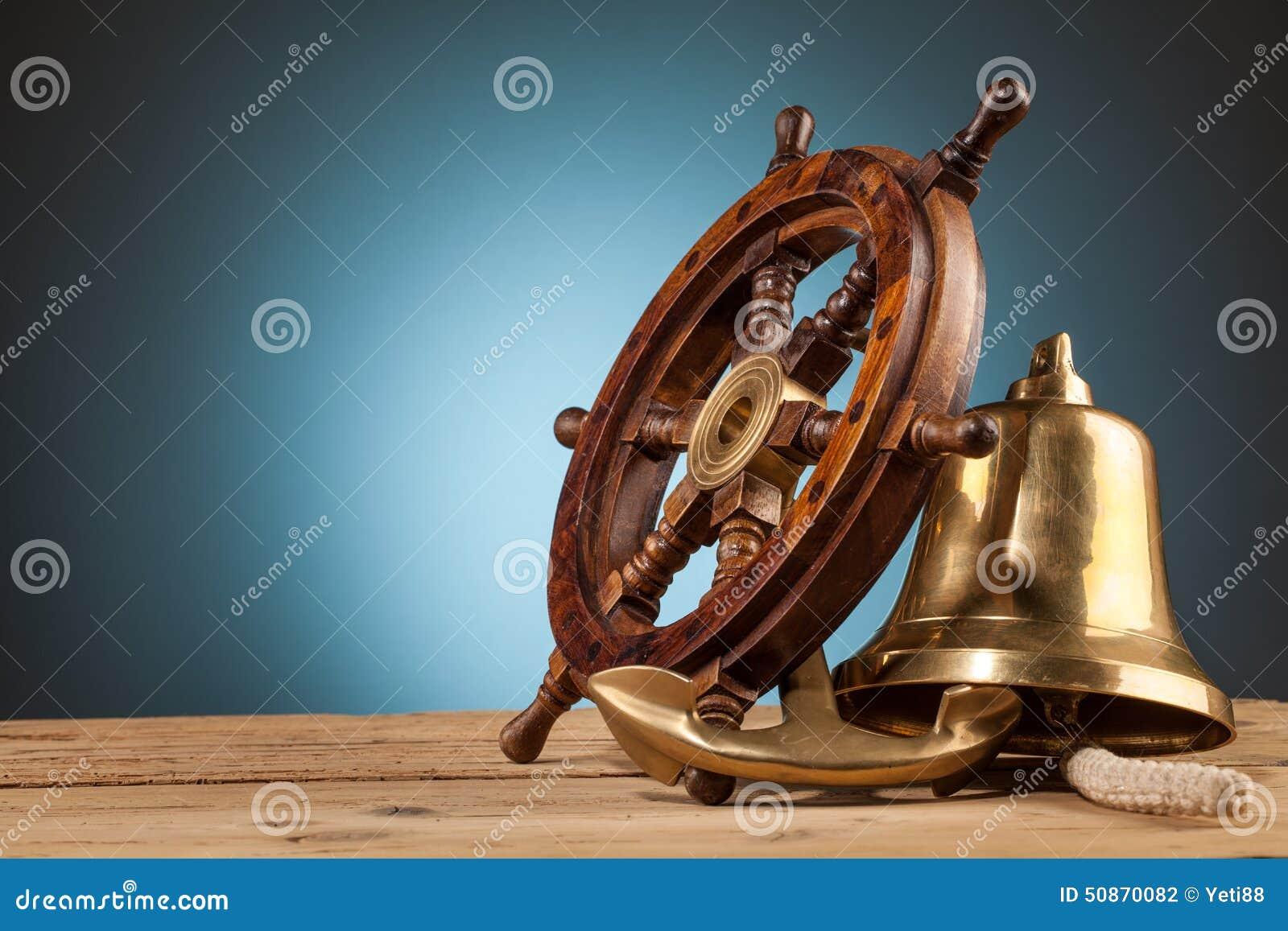 Campana Marítima Del Ancla De La Aventura Y Volante De Madera ...