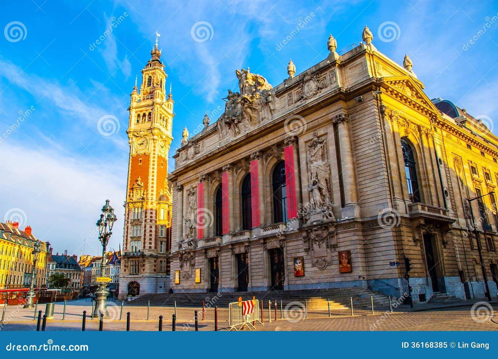 Campanario y teatro de la ópera de Lille