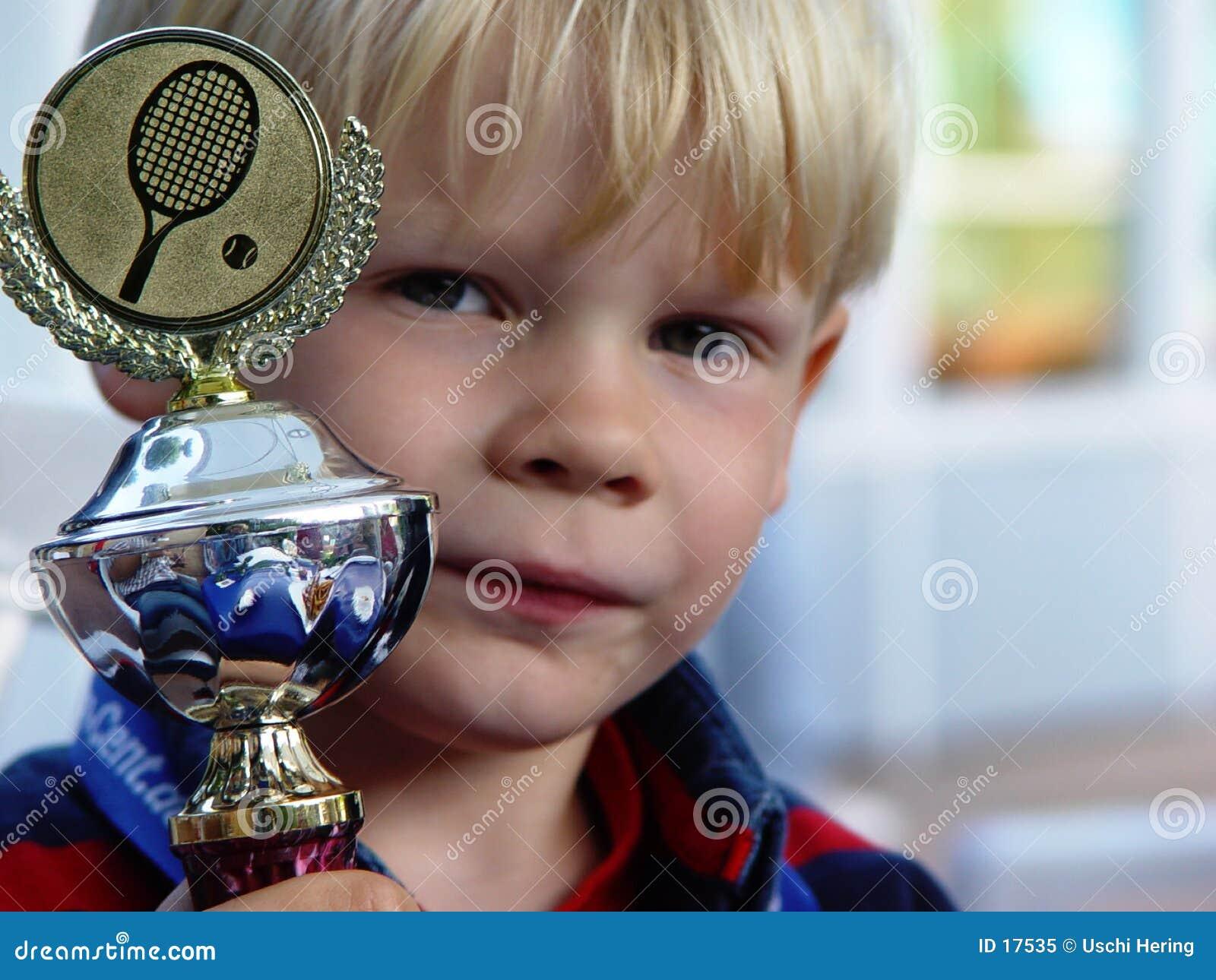 Campeão orgulhoso pequeno