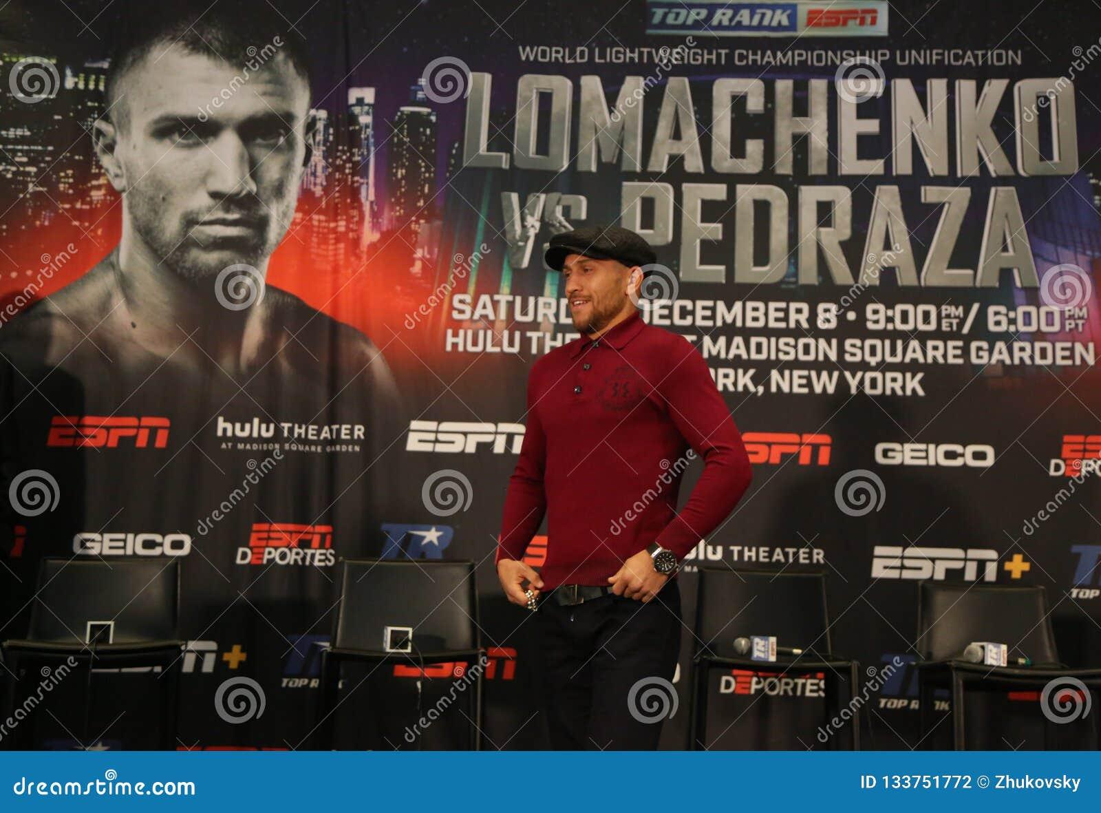 Campeón ligero Vasiliy Lomachenko del mundo durante rueda de prensa final antes de la lucha de la unificación del título contra J