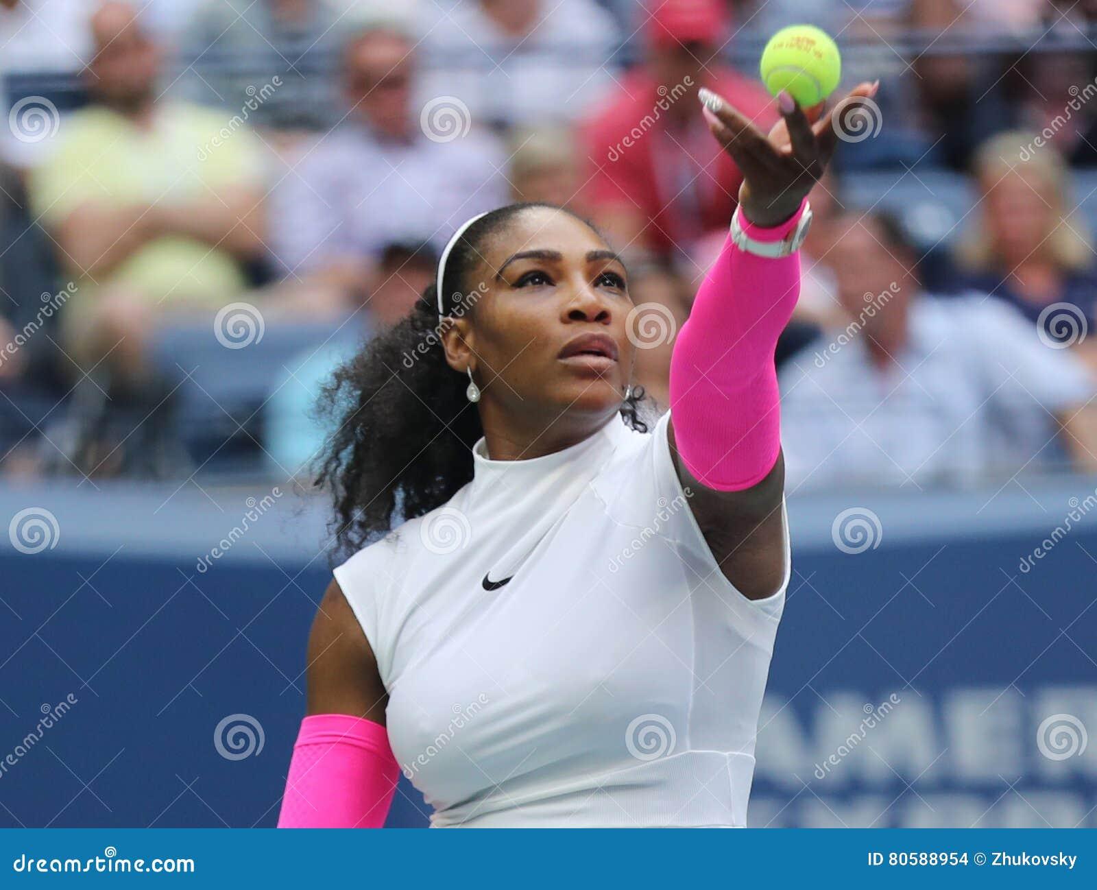 Campeón Serena Williams del Grand Slam de Estados Unidos en la acción durante su partido redondo cuatro en el US Open 2016