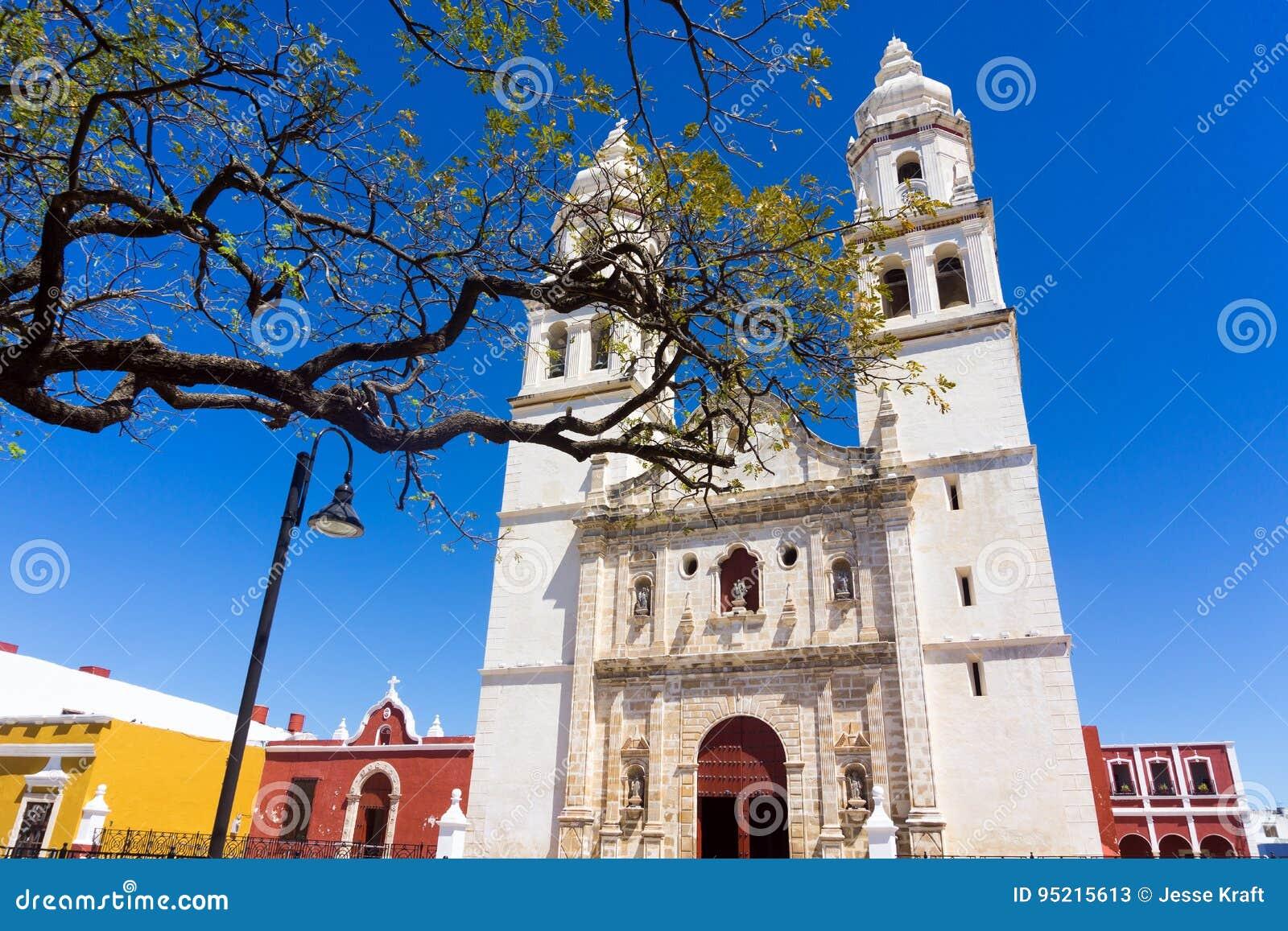Campeche-Kathedralen-Ansicht