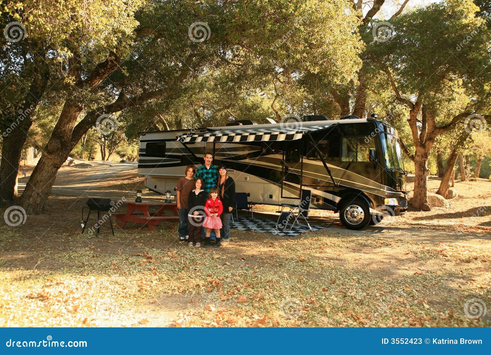 Campeggio confortevolmente in una gioventù