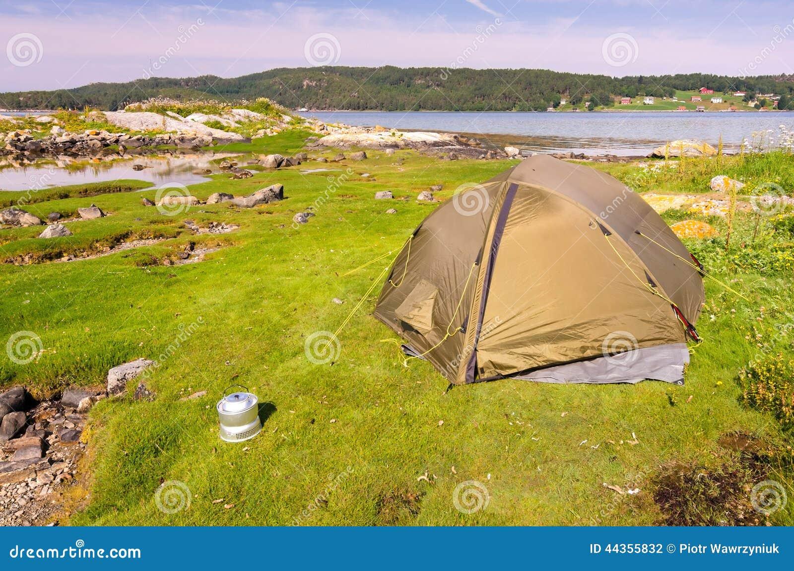 Campeggio selvaggio norvegese