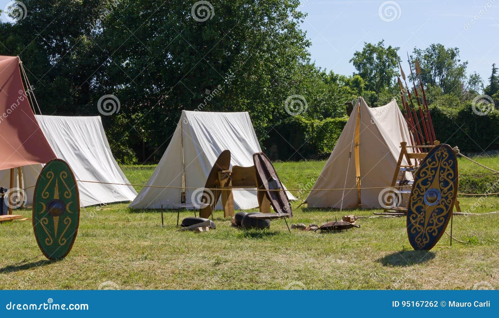 Campement gallique antique à une reconstitution