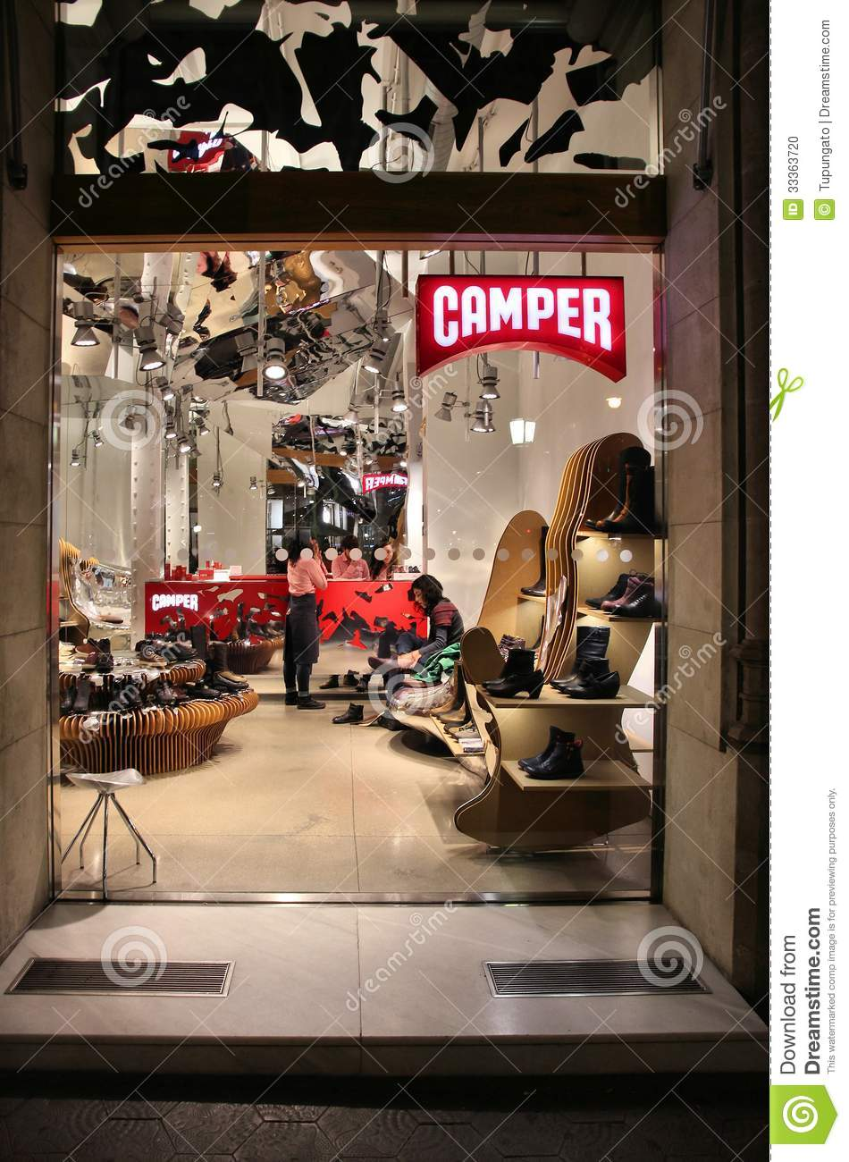 Spanish shoe company exists since 1975, has 52 own stores and