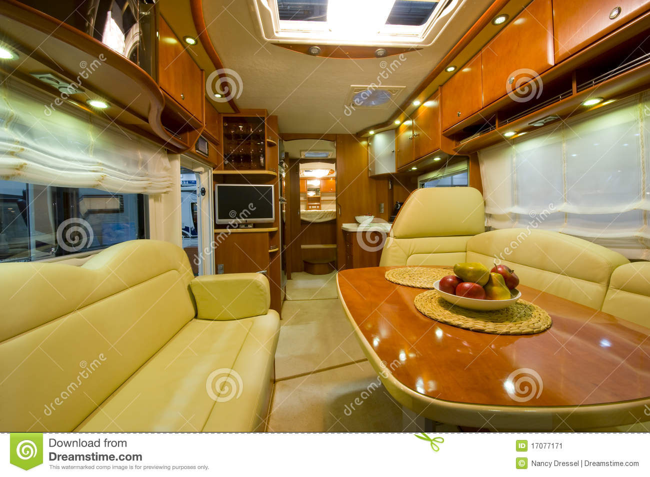 Camping car neuf int rieur image stock image du for Interieur camping car