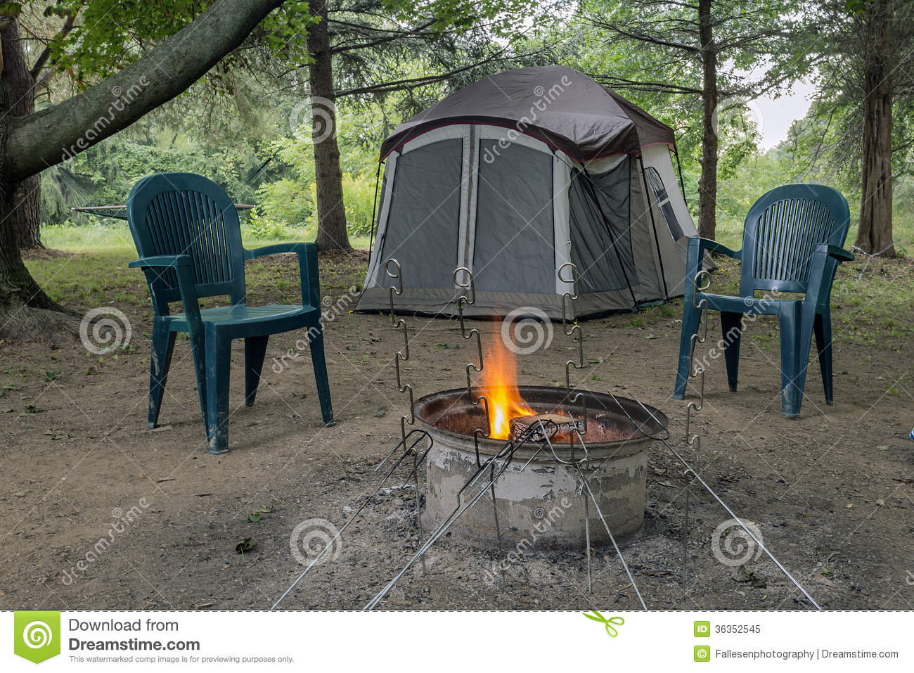 Attrayant Camping Fire And Tent