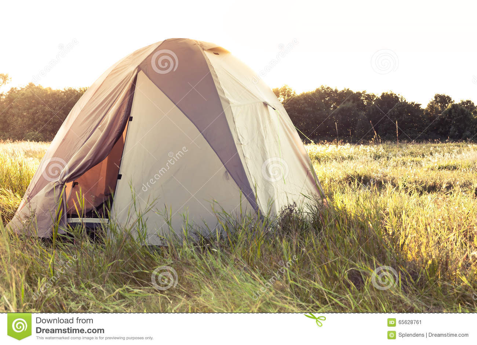 C&ing tent on field  sc 1 st  Megapixl & Camping Tent On Field Stock Photo 65628761 - Megapixl