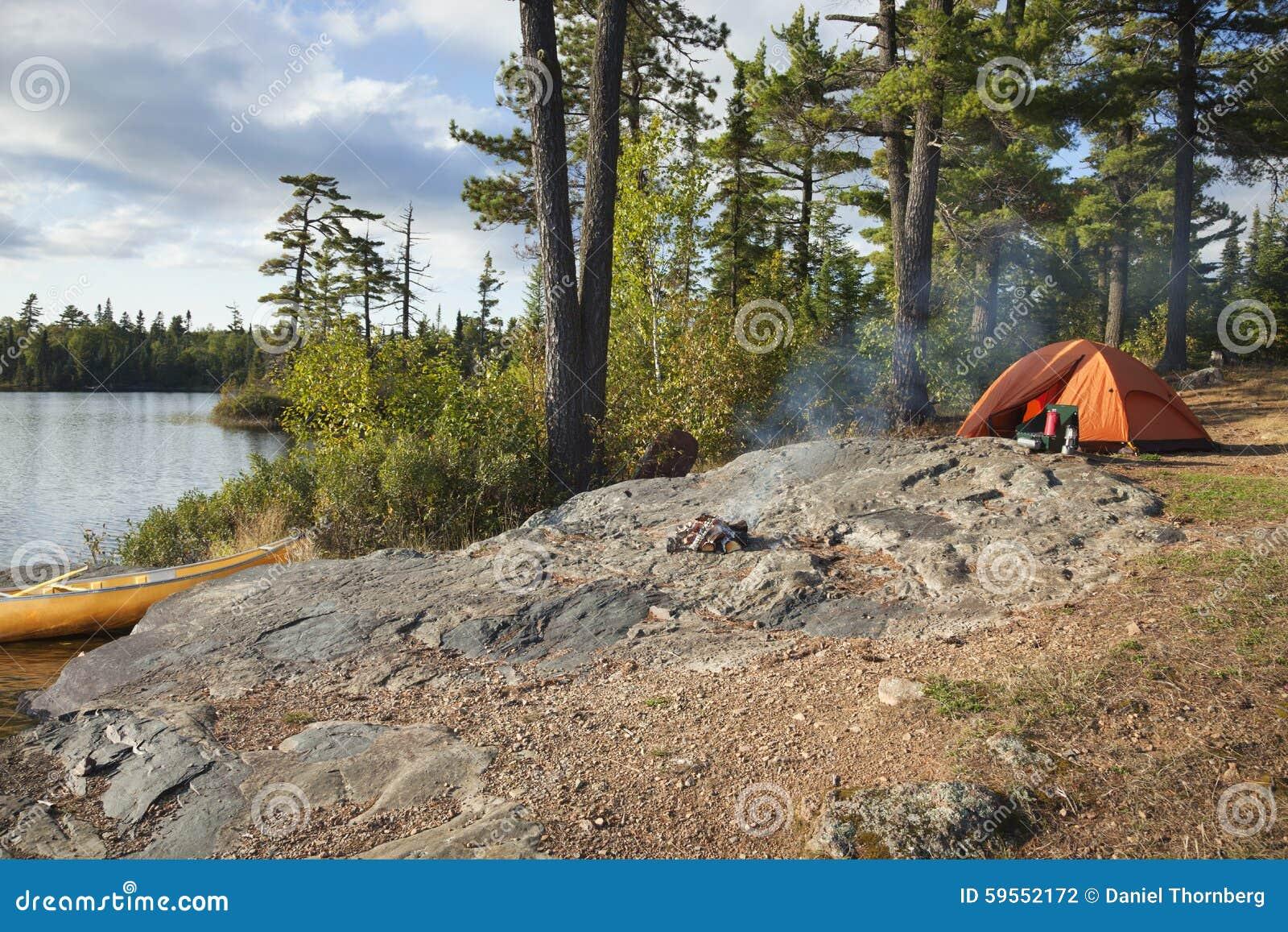 Campingplatz auf Boundary Waters See in Nord-Minnesota