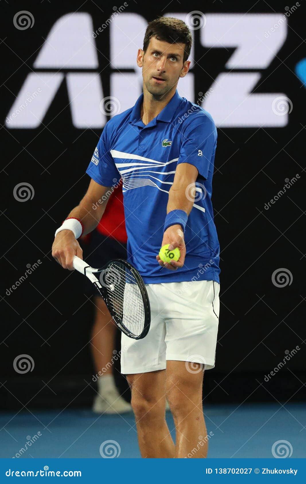 Campione Novak Djokovic di Grand Slam di 14 volte nell azione durante la sua partita di semifinale all Australian Open 2019 nel p