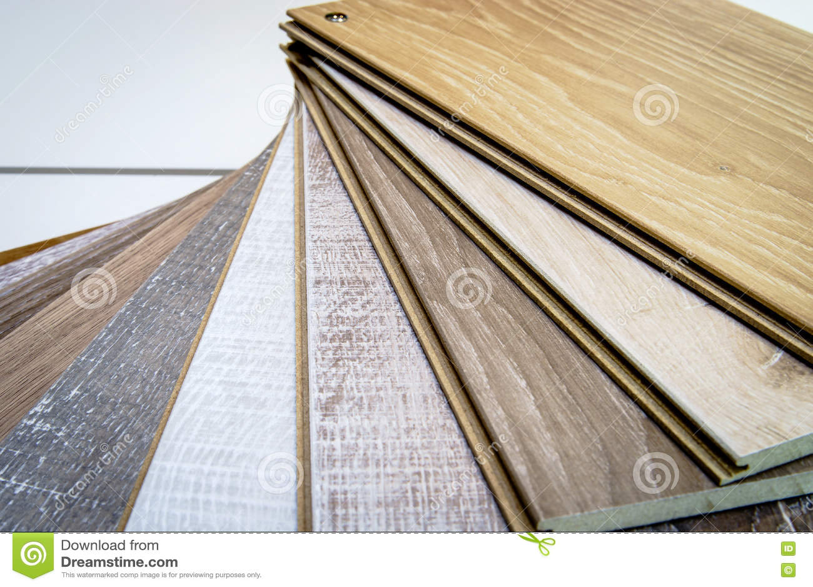 Campioni di legno naturali del laminat per il rivestimento per