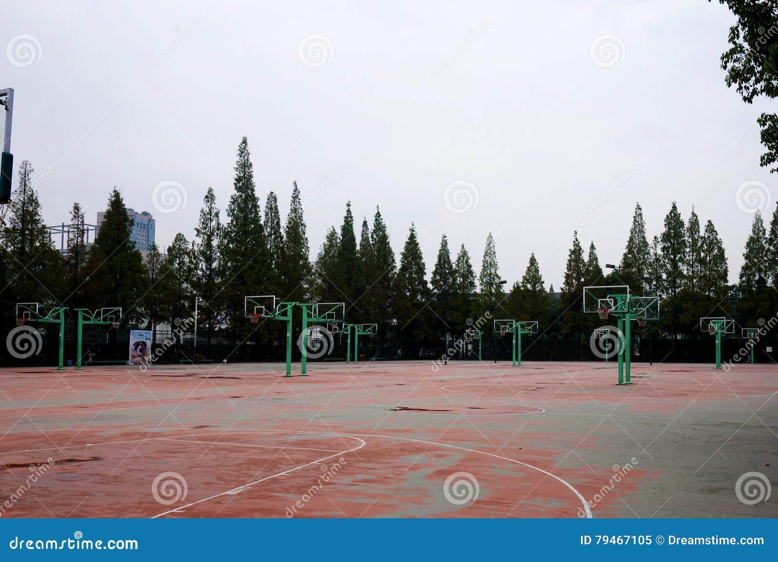Campo da pallacanestro della scuola immagine editoriale - Immagini stampabili di pallacanestro ...