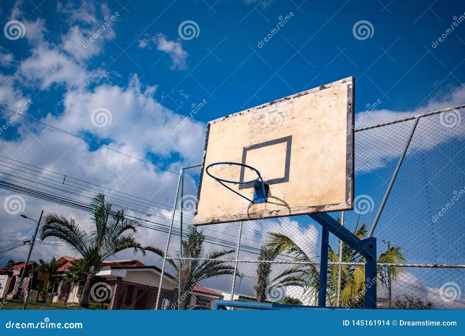 Campo de básquete para o jogo com