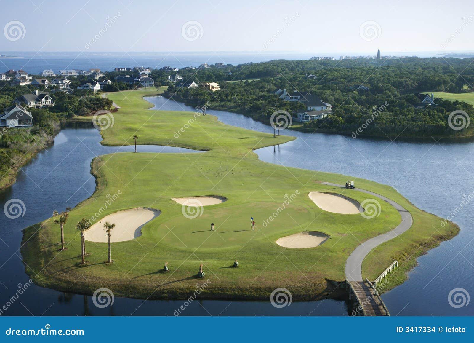 Campo de golfe litoral.