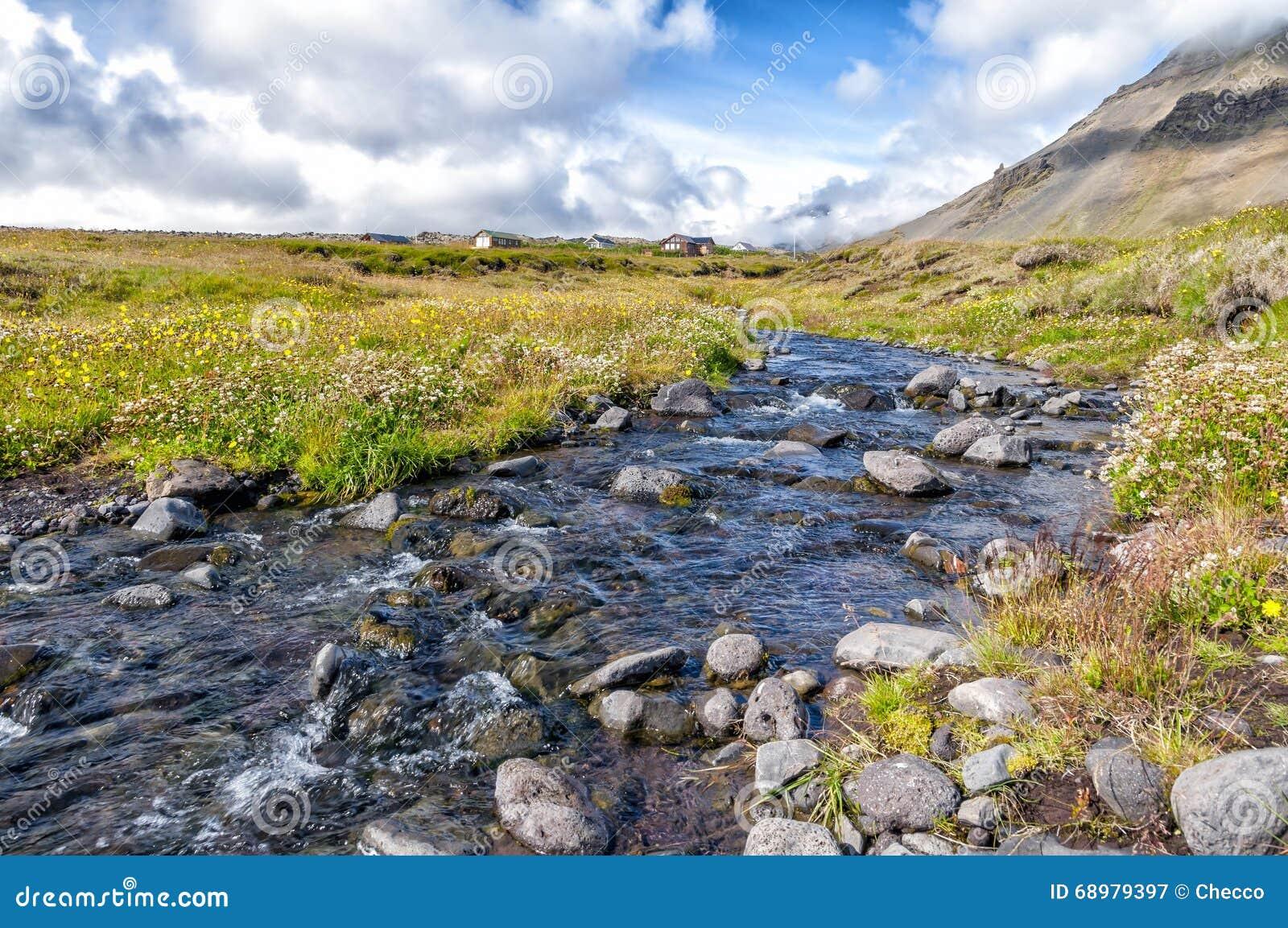 Campo en la península de Snaefellsnes, Islandia