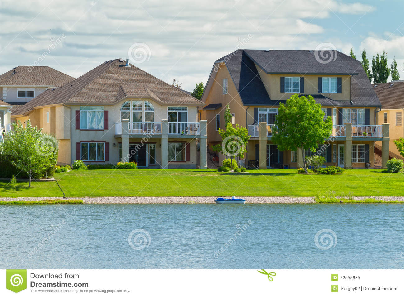 canadian luxury houses in manitoba royalty free stock photo image 32555935