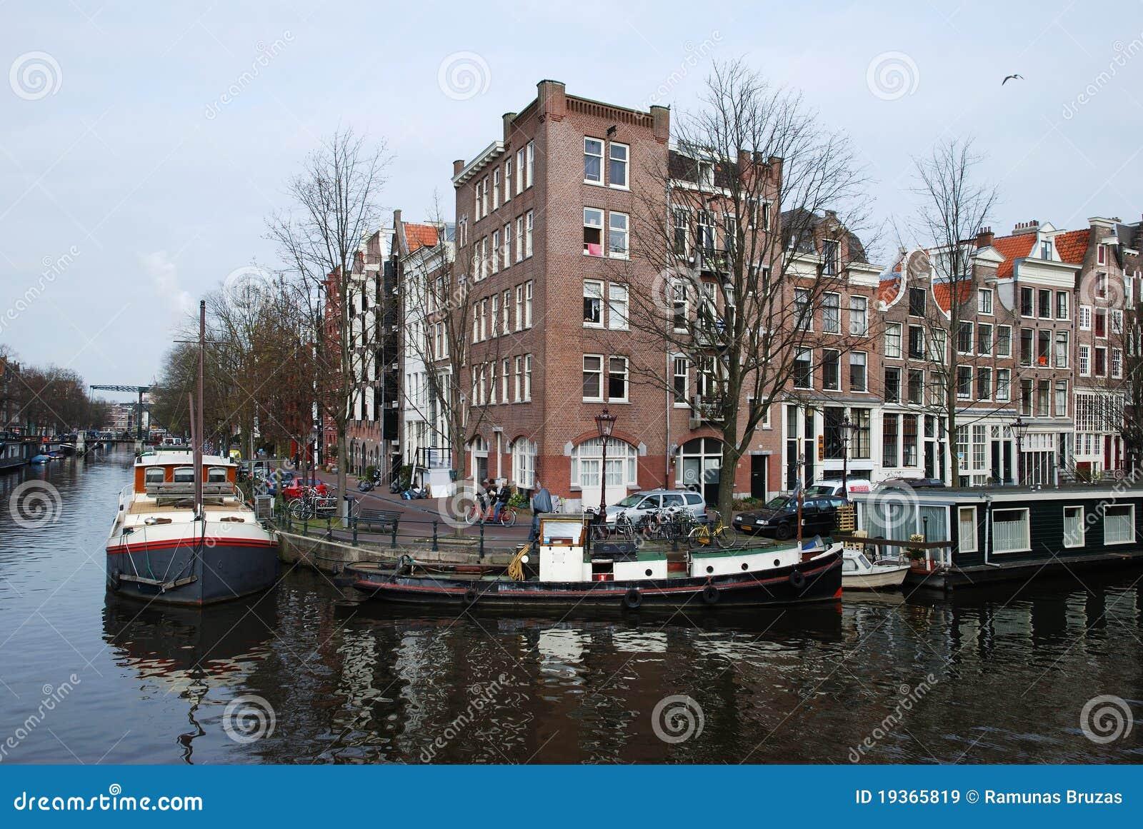Canais de Amsterdão
