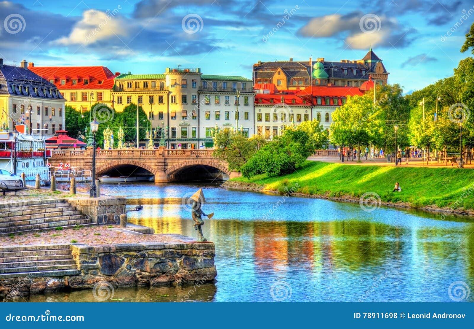 Canal au centre historique de Gothenburg - la Suède