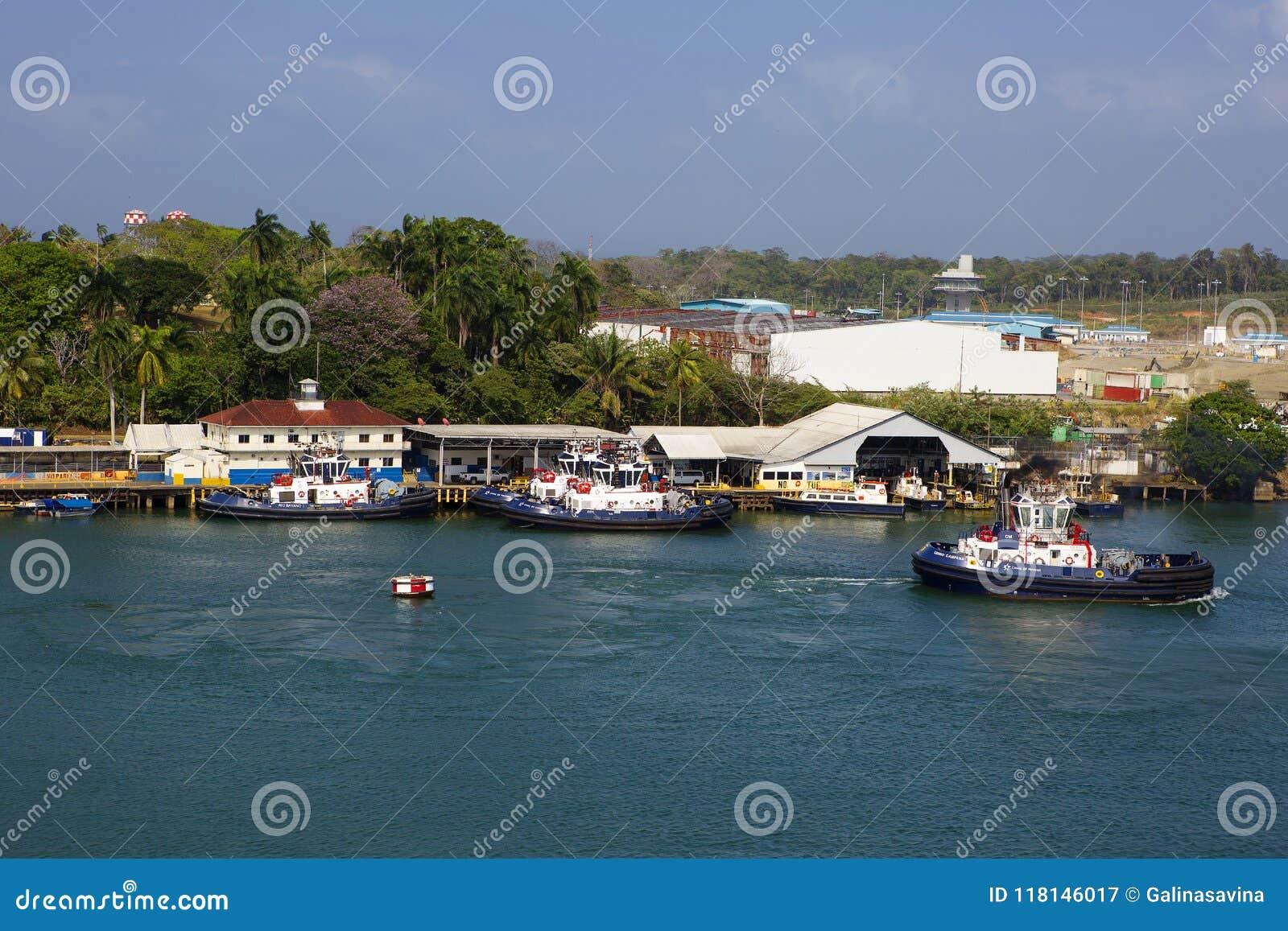 Canal do Panamá, rebocador