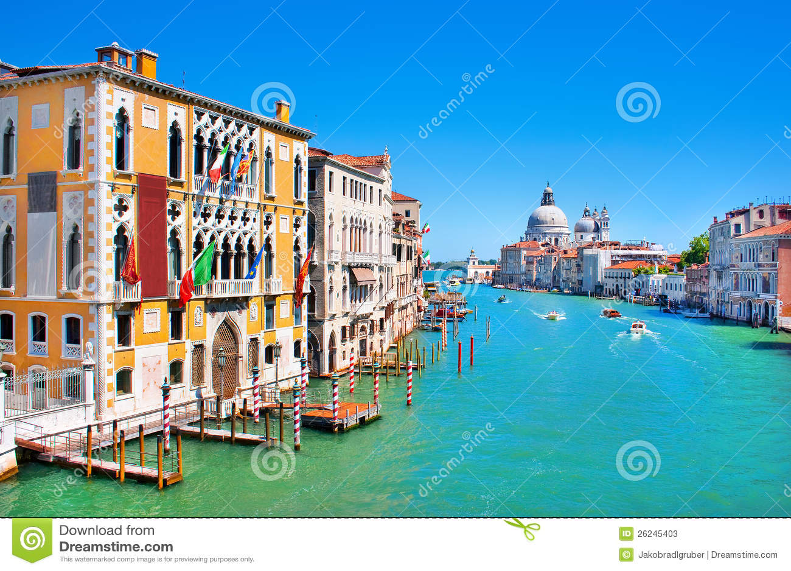 Canal grandioso em Veneza, Italy