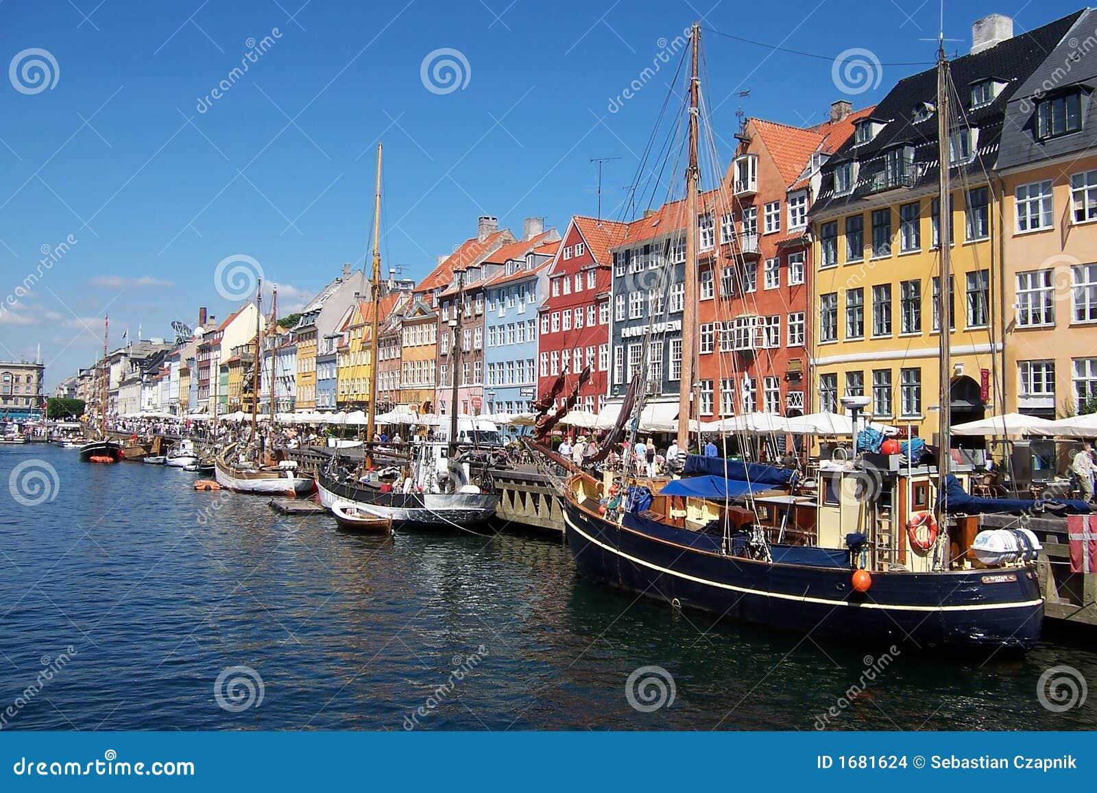 Canale di Copenhaghen, barche.