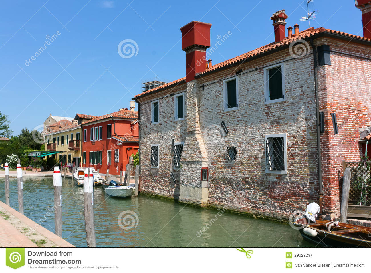 Canale e case in Torcello