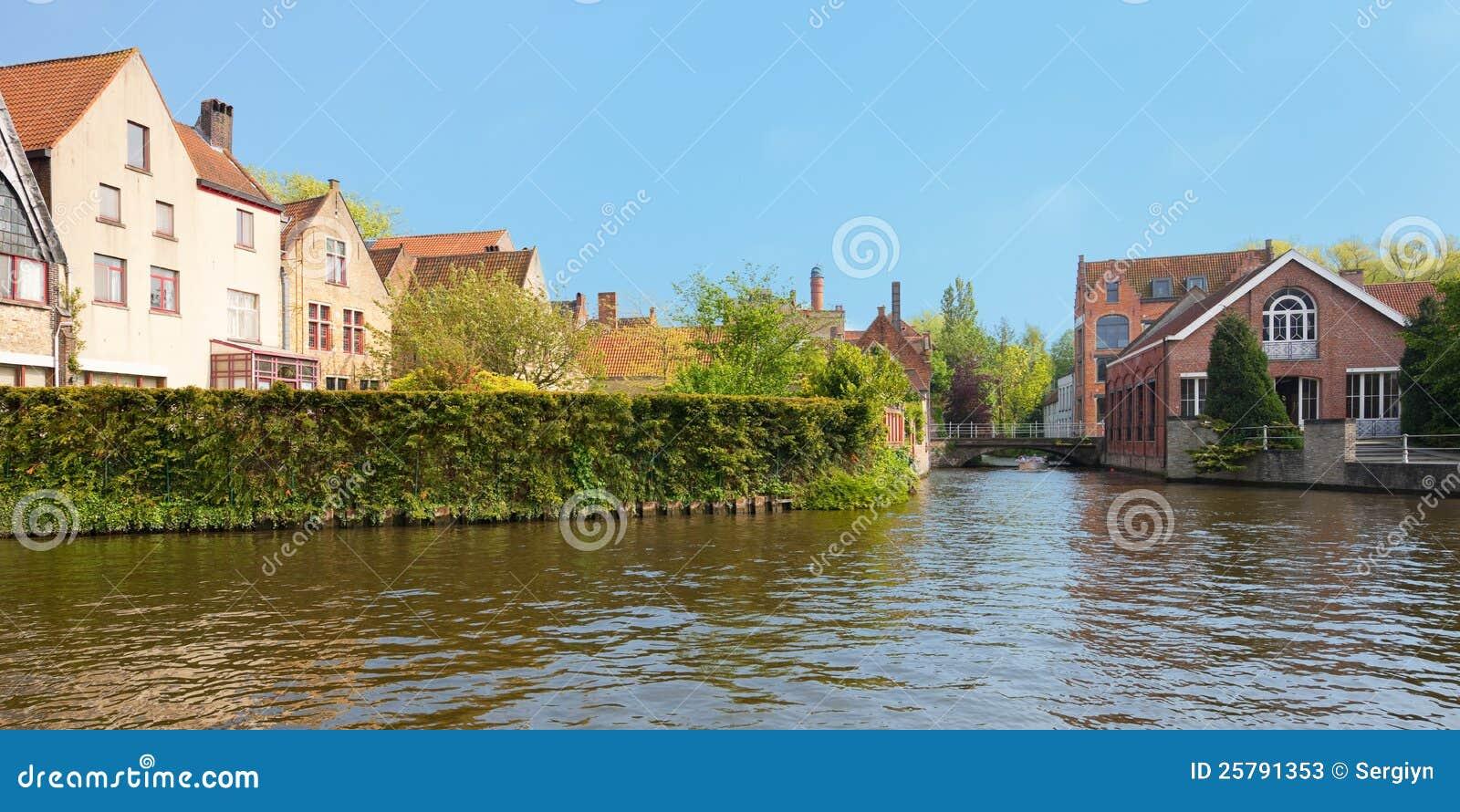 Canaletas maravilhosas de Bruges