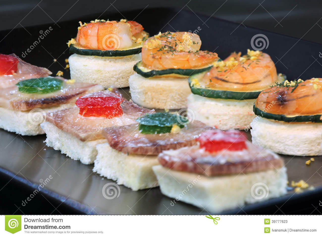 Canape de fruits de mer photo stock image 39777623 for Canape jonc de mer